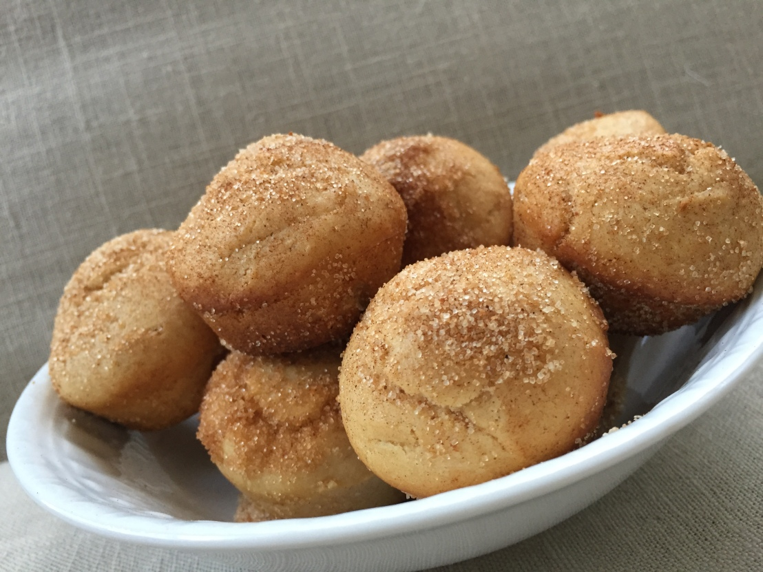 Go nuts for Doughnuts! Baked Peanut Butter DoughnutHoles